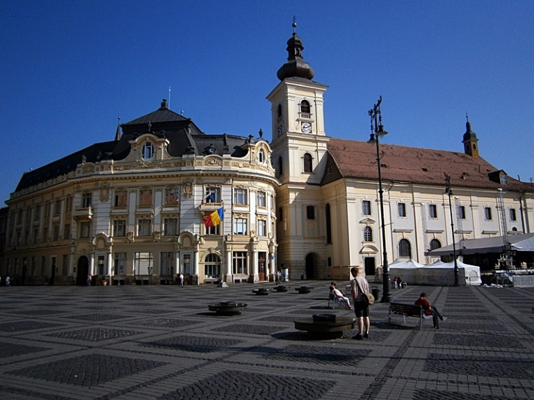 Upper Town - The Large Square (1).JPG